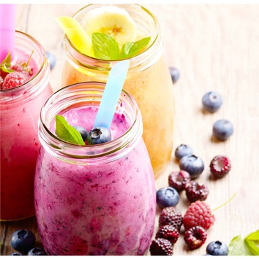 The Ultimate Smoothie & Juicing Recipes + Health Boosting Powers