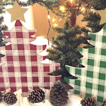 Painted Buffalo Check Christmas Tree